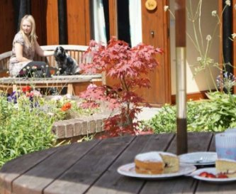 Elms Farm Cottages, 9 Holiday Cottages to sleep 38