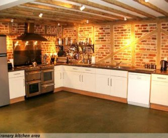 Large Granary kitchen, 2 cookers, 2 dishwashers.