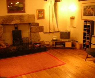 middle sitting room, ideal for childrens space