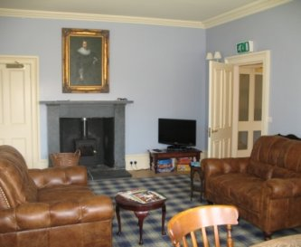 Smaller sitting room