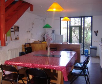 Fully equipped Kitchen/Dining room, seats up to 20