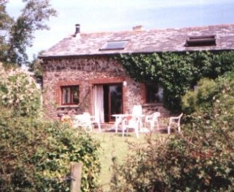 Shippon Cottage with it's private garden