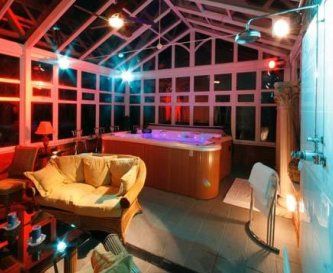 The Huge Hot Tub Room for Seven.